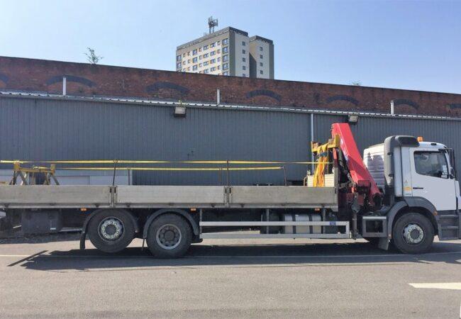 large lorry empty